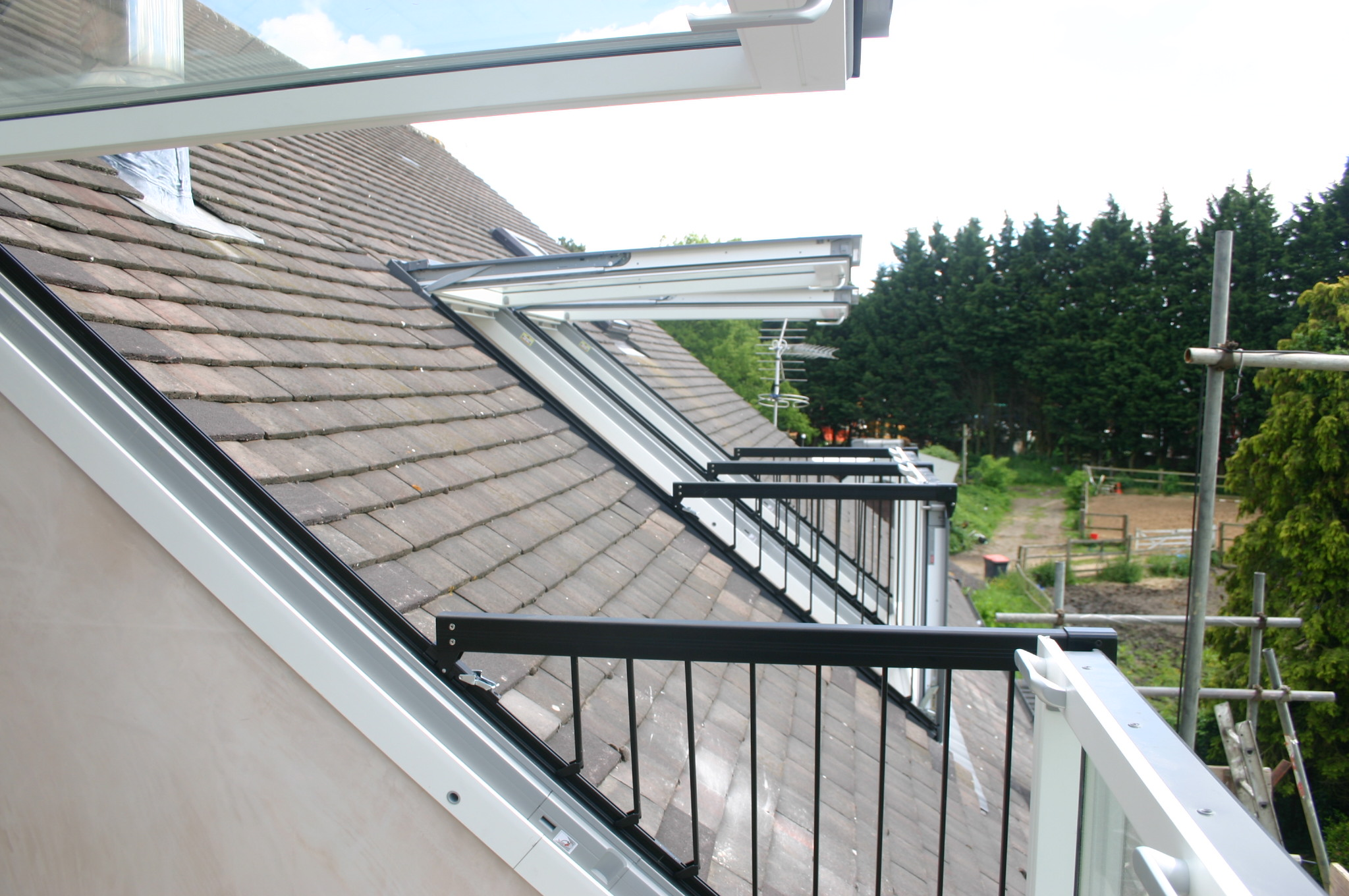 Velux roof windows installers fitters suppliers for How to clean velux skylights